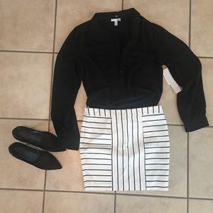 14th & Union black blouse